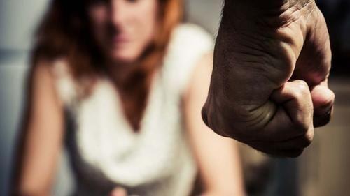 Cronaca: #Terni #aggredisce la #moglie incinta per non aver messo a posto la spesa (link: http://ift.tt/1S2R9Vn )