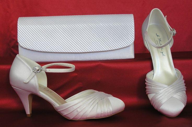 Lilly esküvői cipő