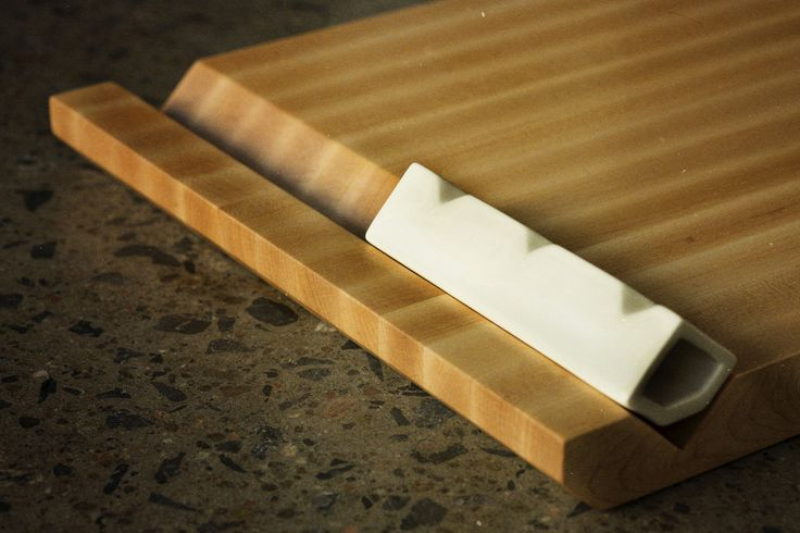 """Planche à découper en bois - Wooden cutting board (12"""" x 18"""")"""