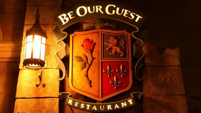 Read our Top 10 Quick Service Restaurants in Walt Disney World Parks (#8 is one of my favorites!) #disneydining
