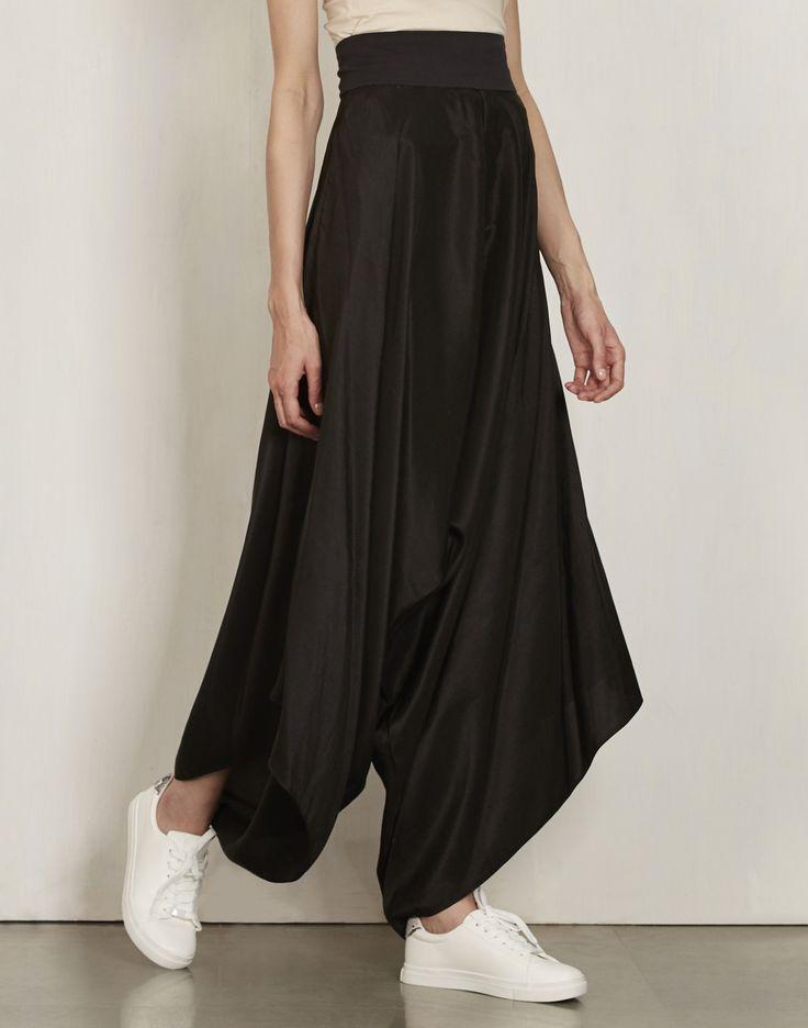 Black Drape Pants-Anamika Khanna- img4