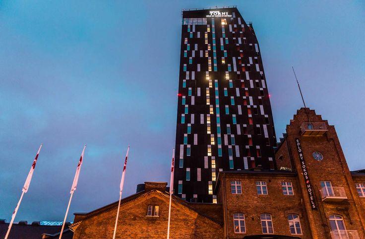 Solo Sokos Hotel Torni sijaitsee Tullikamarin alueella Tampereella.