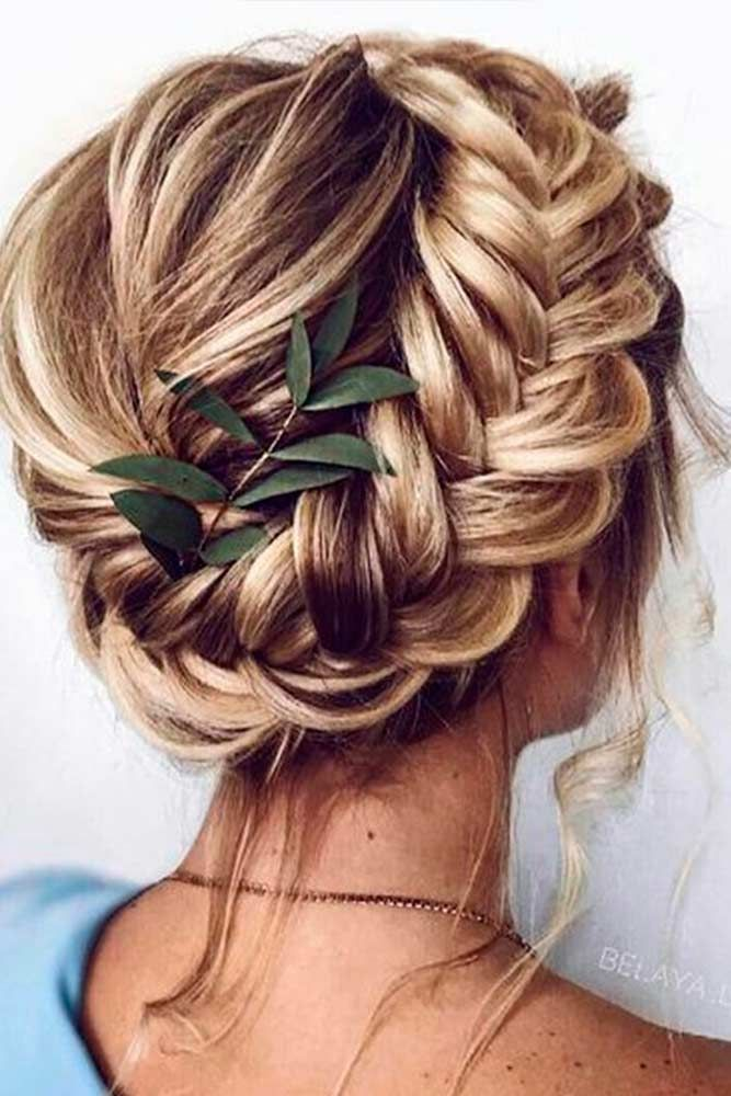 Inspiring Holiday Hair Style Ideas To Hit The Night Glaminati Com In 2020 Long Hair Styles Short Hair Styles Curly Hair Styles