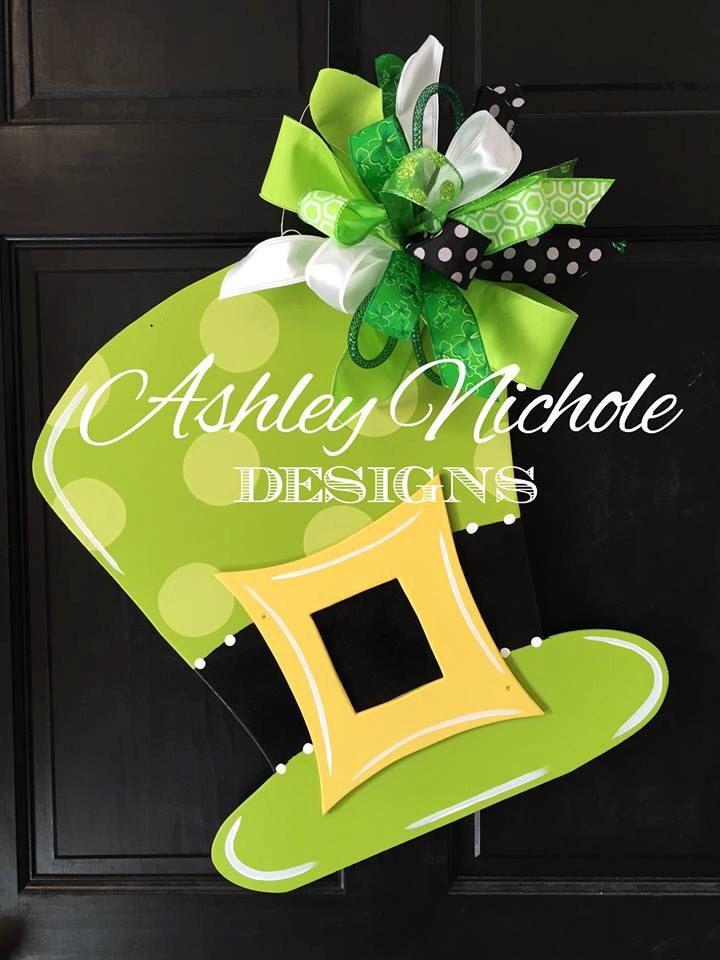 St. Patrick's Day Hat Door Hanger, St Patrick's Day Wreath, St Patricks Day Decor, Door Decoration, Leprechaun Hat Door Hanger by DesignsAshleyNichole on Etsy https://www.etsy.com/listing/266824406/st-patricks-day-hat-door-hanger-st