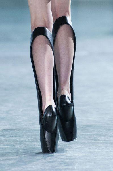 Iris Van Herpen at Paris Fashion Week Fall 2014 - StyleBistro