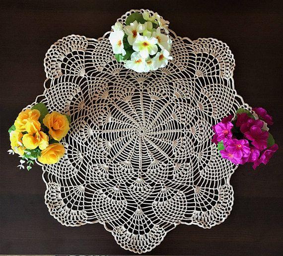 Салфетка крючком круглая, диаметр 57 см, салфетка крючком, ажурная салфетка крючком, домашний декор, декор ВАЗ, декор интерьера, вязание крючком кремового цвета.