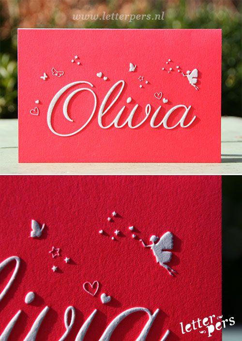 letterpers_letterpress_Geboortekaartje_Olivia_fluor_neon_roze_preeg_vlinder_engeltje