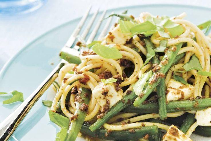 Ook pasta en sperziebonen gaan goed samen in dit heerlijke gerecht met slechts 5 ingrediënten - Recept - Allerhande