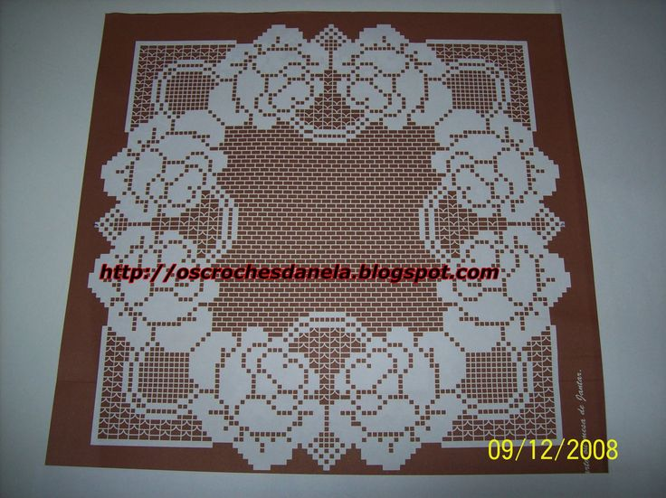 http://oscrochesdanela.blogspot.it/2008/12/toalhinhas-de-croche-para-quarto-ou.html