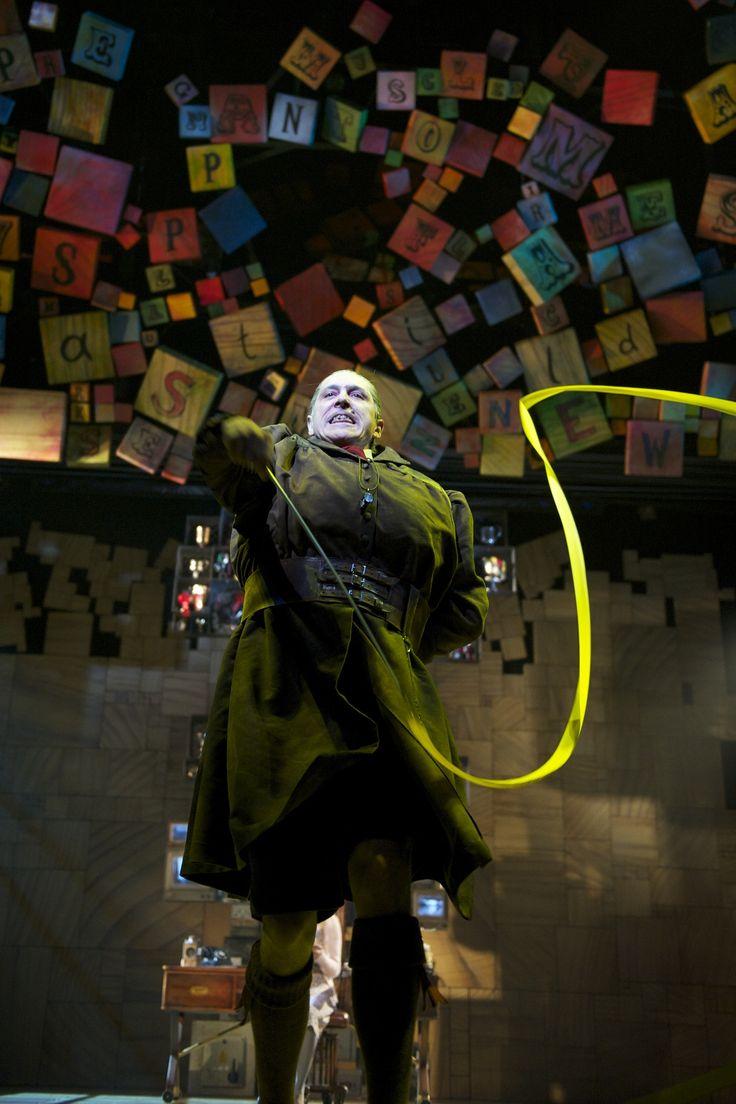 Matilda, el musical, personajes, Miss Trunchbull, Broadway, New York.
