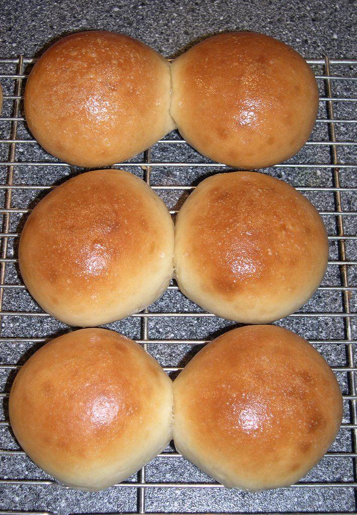 Uit de keuken van Levine: Zachte witte broodjes