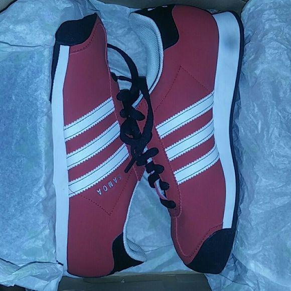 Adidas Somas J SIZE 5. BRAND NEW NEVER WORN!! Original box never worn Adidas Shoes