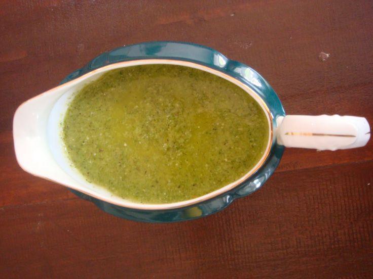 Molho Básico para Saladas - http://www.receitassimples.pt/molho-basico-para-saladas/