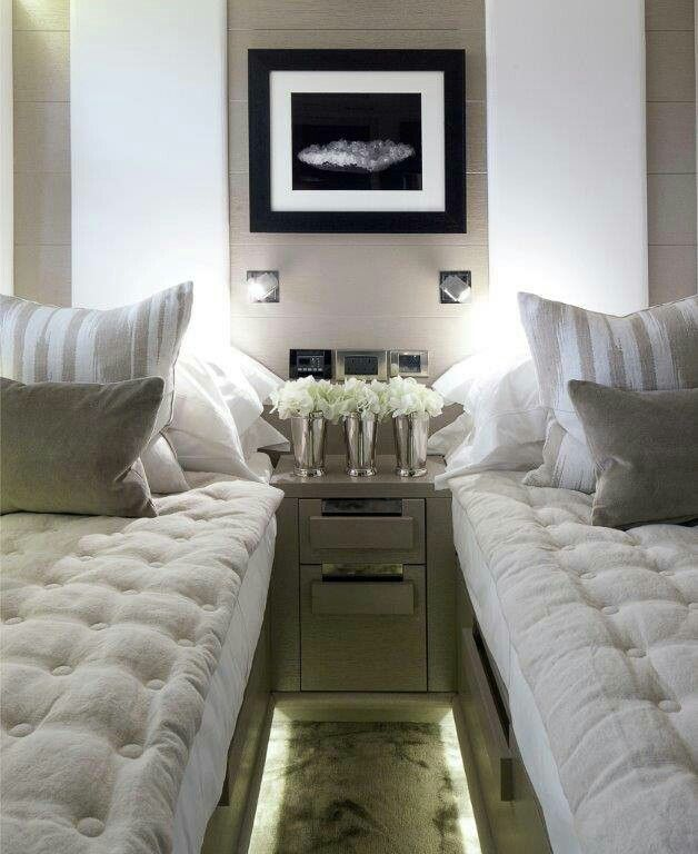 Teeny tiny bedroom for 2 kelly hoppen log that away for 10x10 bedroom designs