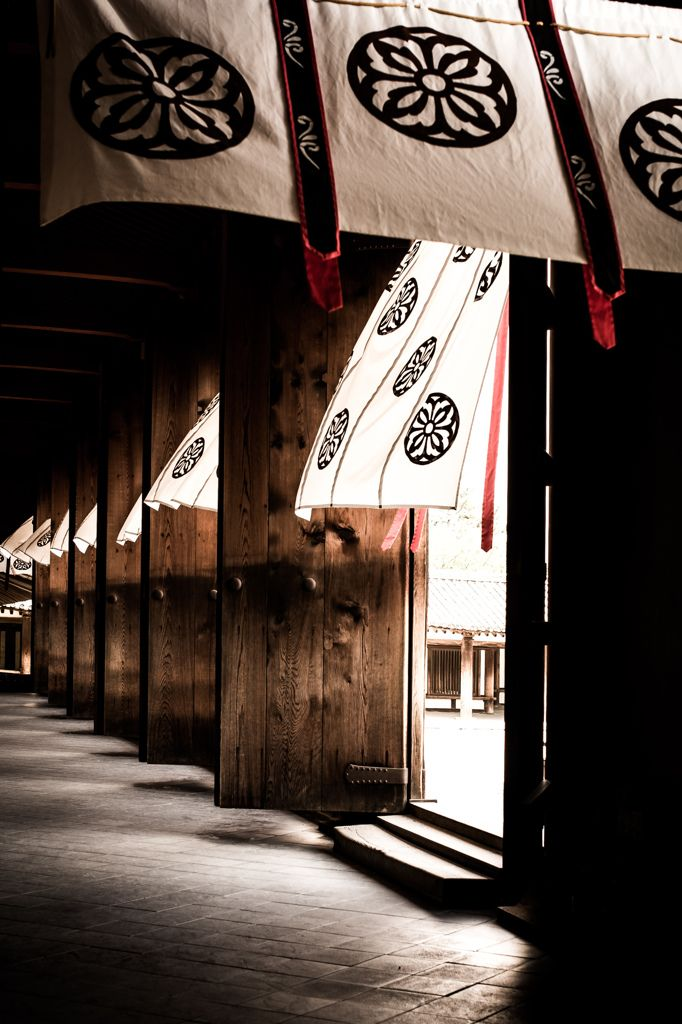 Horyuji Shrine, Japan (法隆寺 光と風)- impossible for me pin in art-deco forniture , please follow and invite me with my second board...if you can of course.thanks yoshiki.