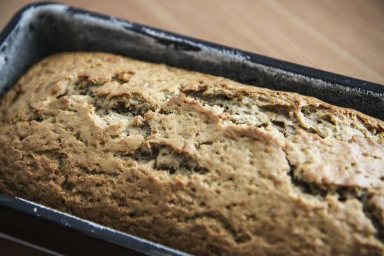 Dit brood is heerlijk sappig en smaakt lekker nootachtig. Bovendien is het vezel, eiwitrijk, gluten, gist, lactose, koemelkeiwit, sojavrij!