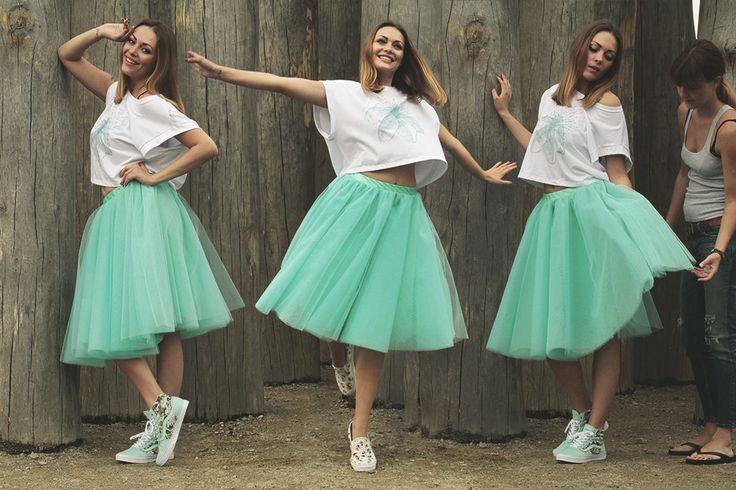turquoise skirt :)