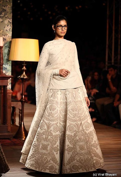 Sabyasachi Mukherjee at Delhi Couture Week 2012 #SabyasachiMukherjee #fashion #couture #style #India