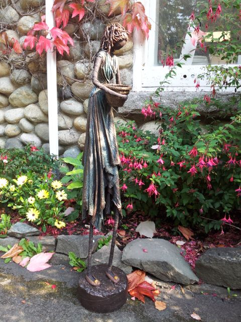 Paverpol Vancouver Island: 6' Tall Sculpture