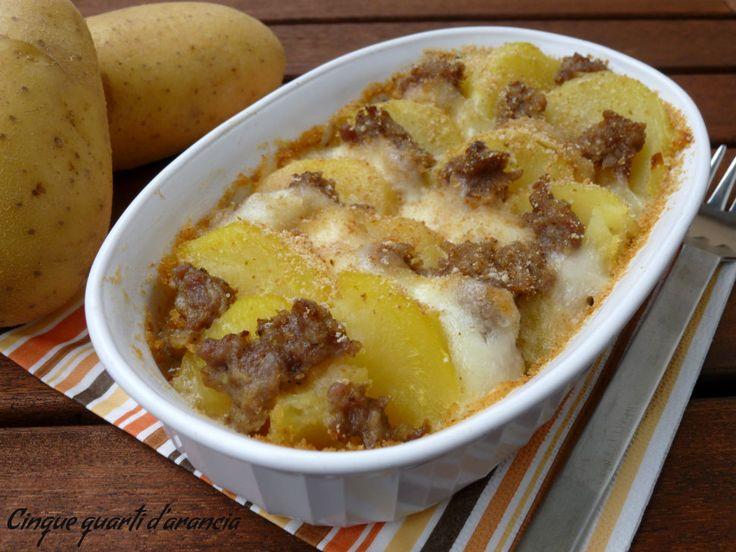 Sformato di patate salsiccia e mozzarella