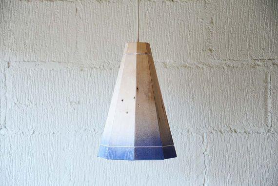 Grande soffitto blu sbiadita ombra leggera in legno Pallet on Etsy, 80,85€