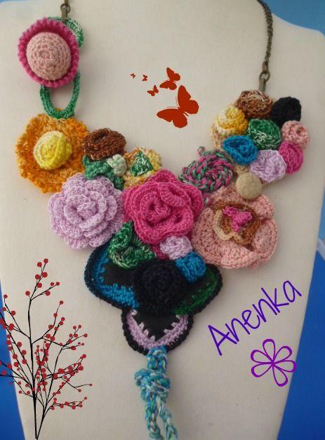 Collar babero en crochet de hilo y apliques de cuero. El tuto en mi blog. www.diseño-bijouterie.com.ar