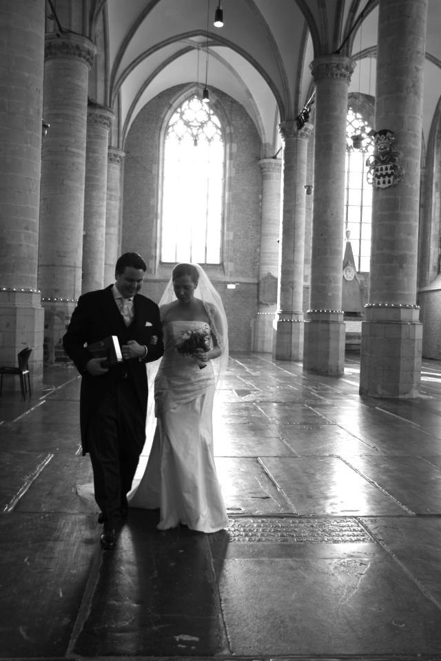 Beautifull light in a beautifull church with a beautifull couple. Just married!