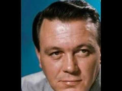 """▶ ♥ """"Fly Me to the Moon"""" (In Other Words) - Matt Monro - YouTube"""