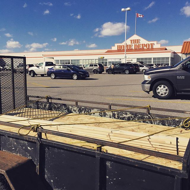 Picking up some more wood for #TheUpperRoom at #chubtown  #thehomedepot
