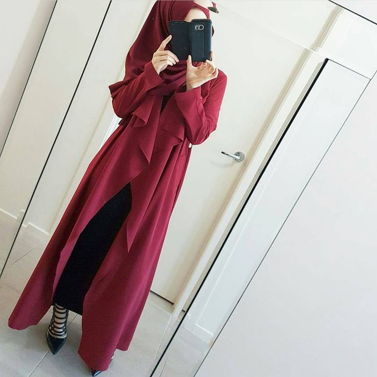 "Modestyinstyle (@modestyinstyle) on Instagram: ""The ever so classy @hijabrevivalofficial in our maroon seasonal trench ❤  Also vailable in black…"""