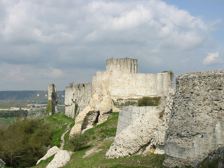 102 best Castle, Citadel, Fortress, Stockade images on Pinterest ...