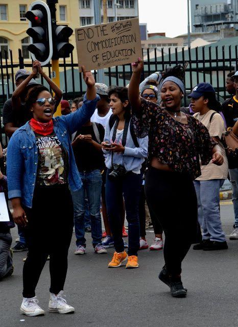 VisaLiza            : Protester & aktivism!
