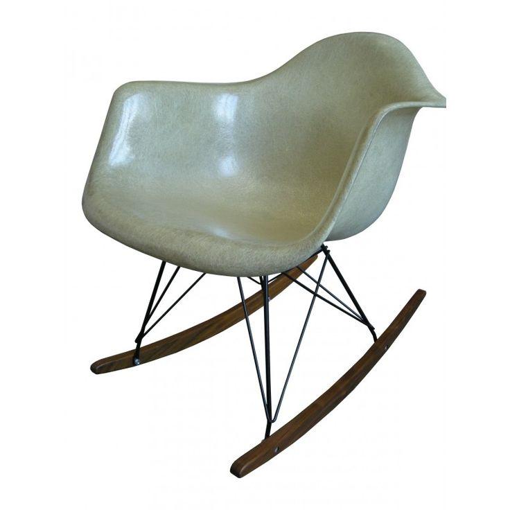 les 25 meilleures id es de la cat gorie chaise bascule eames sur pinterest. Black Bedroom Furniture Sets. Home Design Ideas