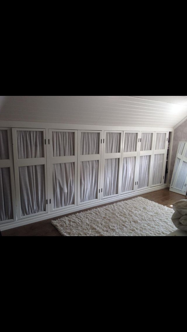 Garderob av gamla fönster