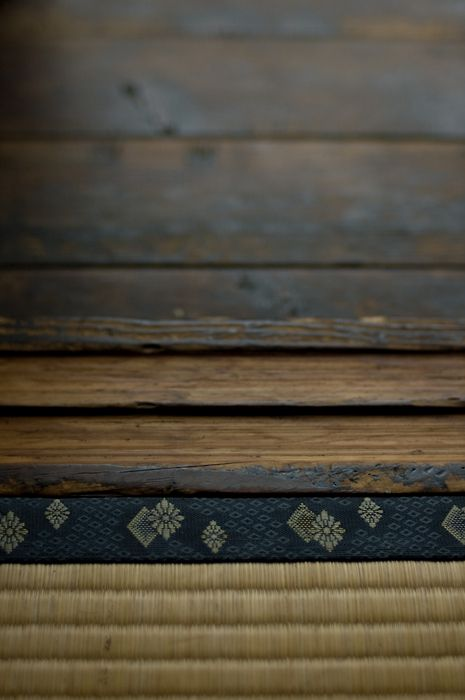 Detail view of Tatami(畳) and wooden floor. #PhotojournalismJapan