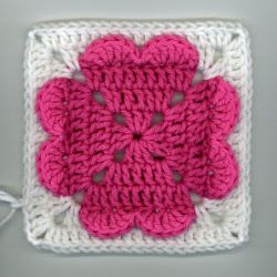 Valentine's Day will be here before you know it, so get crocheting with this free crochet afghan square pattern! This 4 Heart Square is the perfect homemade gift to give your sweetheart this year. All you need is some weight yarn and a J hook.