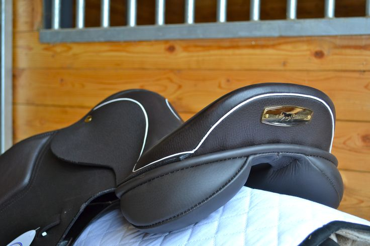 The Black Country Ricochet is Black Country's most popular jump model. This deep seated saddleoffers great support for horse and rider. With a thigh and knee block that can come in a variety of sizes, this saddle gives comfort and security like no other, without giving up that sleek close contact look. As with all …
