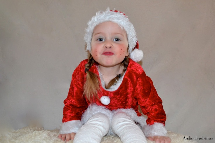 Santa Girl with Attitude | Face It Norge