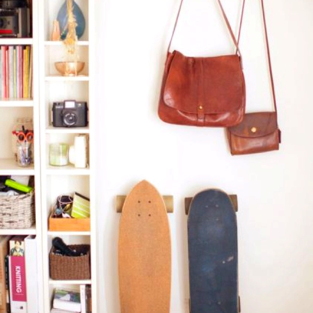 A Photographer Fills Her First Solo Home, A Rented Apartment In Venice,  With Flea Market Finds And Resourceful Storage