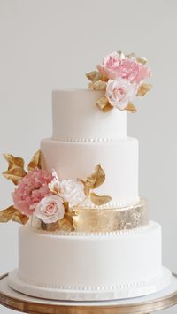Anna Elizabeth Cakes 2015 Collection - Golden Peony