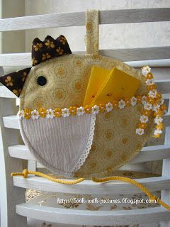 Курочка-салфетница