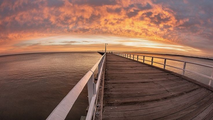 Contemporary images of Hervey Bay
