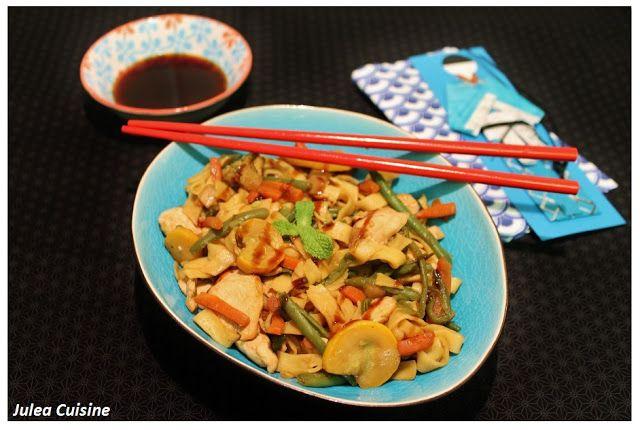 Julea Cuisine - Ma petite cuisine au quotidien: Tagliatelles au poulet et légumes façon Wok