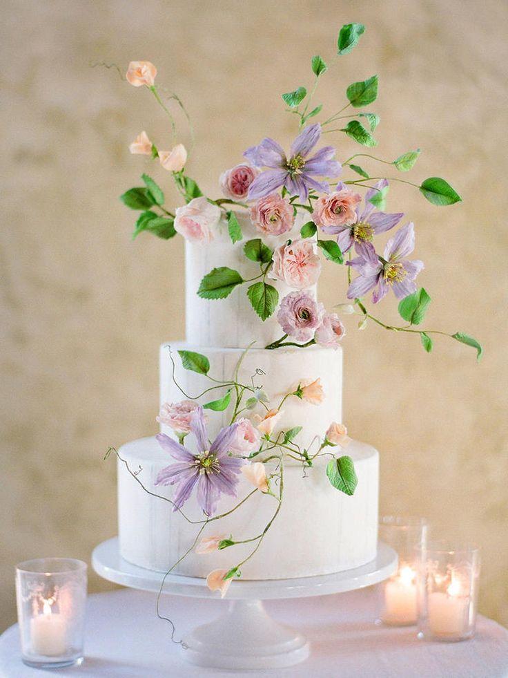 15 Ideias de Bolos de casamento decorados com flores