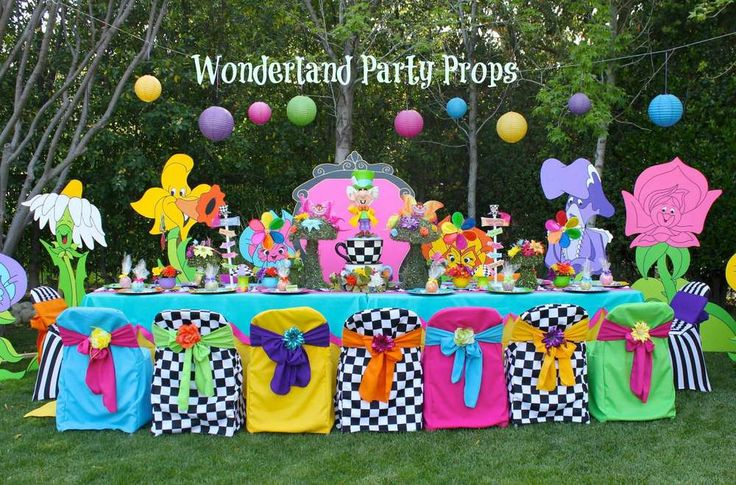 Alice in Wonderland / Mad Hatter Birthday Party Ideas | Photo 1 of 39 | Catch My Party