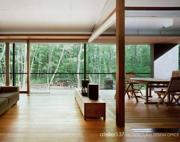 atelier137 ARCHITECTURAL DESIGN OFFICE の クラシカルな リビングルーム 015軽井沢Tさんの家#ホーミファイ #建築 #インテリア #住まい