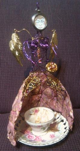 Art doll for Tea Bag Challenge... http://collectingyourself.wordpress.com/2011/09/02/a-cup-full-of-gratitude-tea-bag-momma/