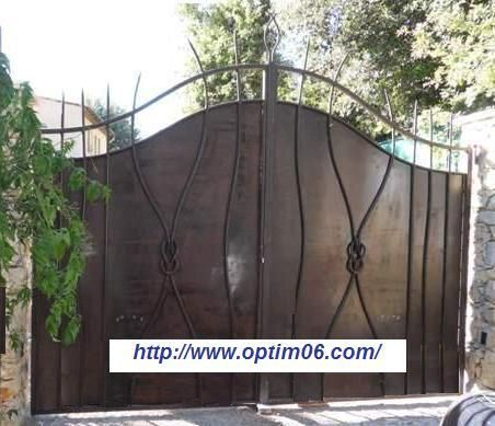 14 best portail portillon images on pinterest iron doors iron gates and home ideas - Portail fer forge ...