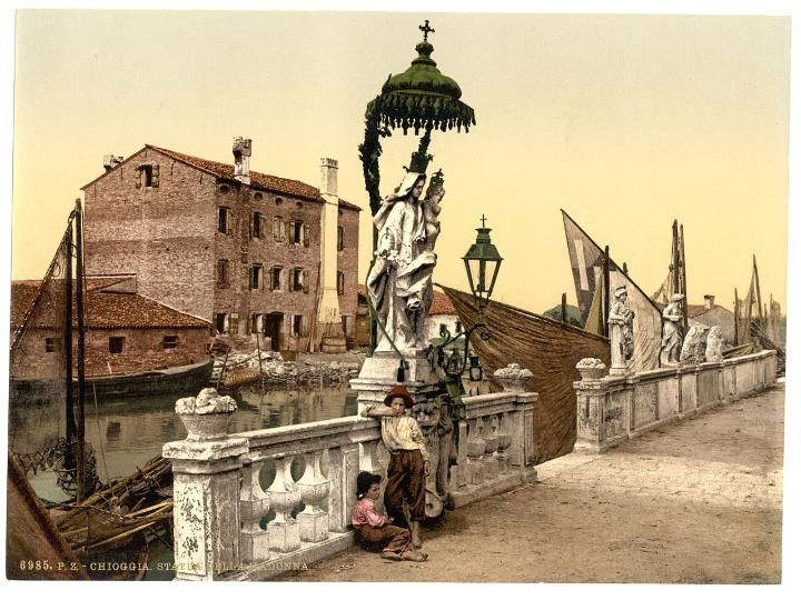 The first colour photographs of Italy