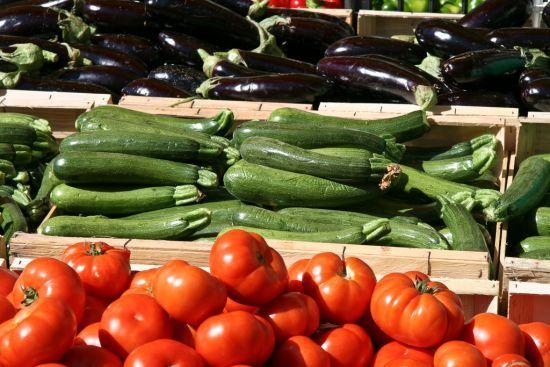 Ratatouille=comfort food. Whenever I make it I use roasted garlic and garlic-roasted eggplant...